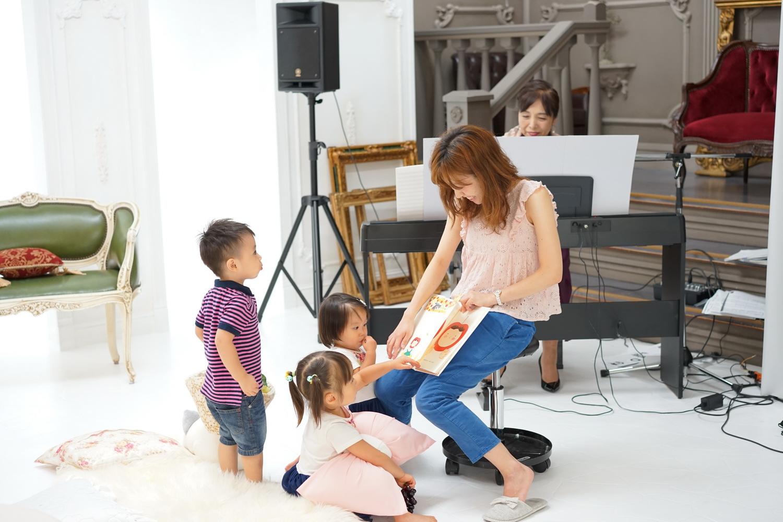 写真館で子供リトミック体験