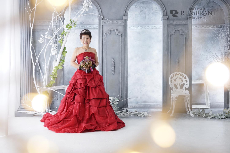 0be2143588f4e6 自分へのご褒美や、還暦のお祝いにドレス変身写真 | 京都のおしゃれな ...