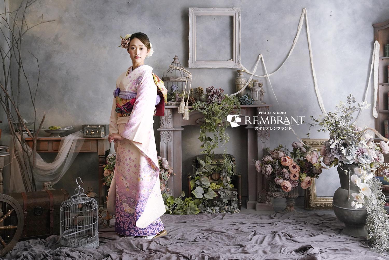 成人振袖 白×紫小花