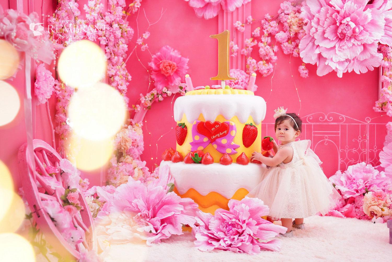 1才お誕生日フォト-ホワイトドレス